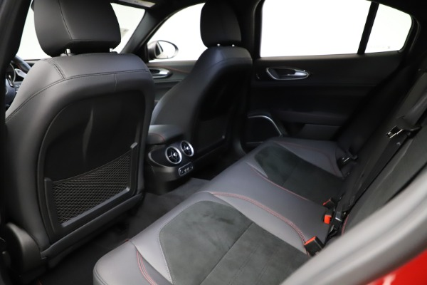 New 2021 Alfa Romeo Giulia Quadrifoglio for sale $83,740 at Bugatti of Greenwich in Greenwich CT 06830 17