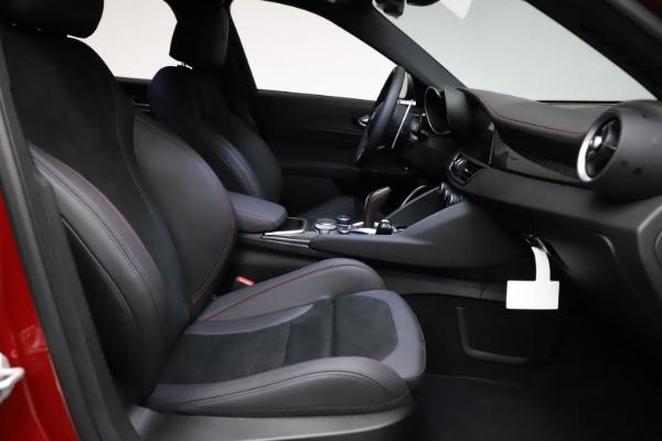 New 2021 Alfa Romeo Giulia Quadrifoglio for sale $83,740 at Bugatti of Greenwich in Greenwich CT 06830 21