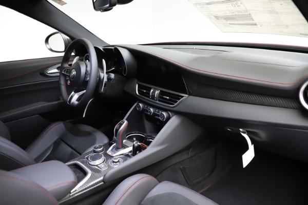 New 2021 Alfa Romeo Giulia Quadrifoglio for sale $83,740 at Bugatti of Greenwich in Greenwich CT 06830 22