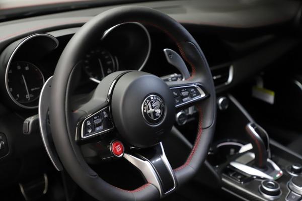 New 2021 Alfa Romeo Giulia Quadrifoglio for sale $83,740 at Bugatti of Greenwich in Greenwich CT 06830 25