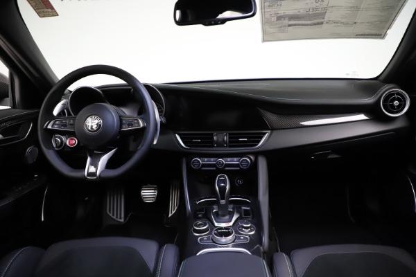 New 2021 Alfa Romeo Giulia Quadrifoglio for sale $83,200 at Bugatti of Greenwich in Greenwich CT 06830 15