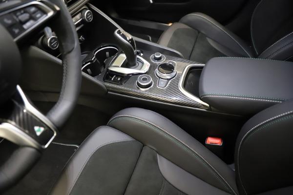 New 2021 Alfa Romeo Giulia Quadrifoglio for sale $83,200 at Bugatti of Greenwich in Greenwich CT 06830 26