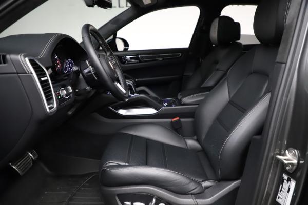 Used 2020 Porsche Cayenne Turbo for sale $145,900 at Bugatti of Greenwich in Greenwich CT 06830 19