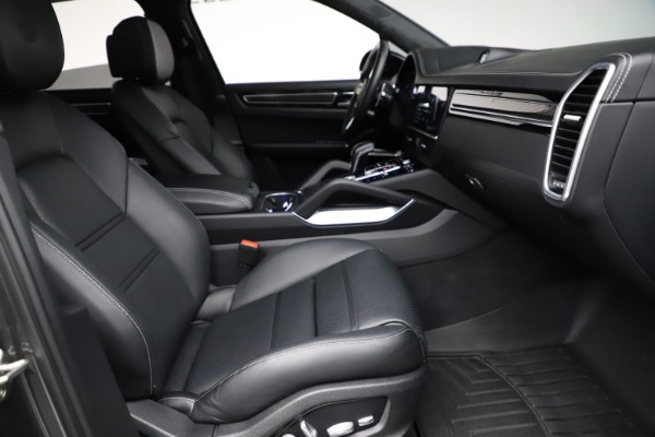 Used 2020 Porsche Cayenne Turbo for sale $145,900 at Bugatti of Greenwich in Greenwich CT 06830 23