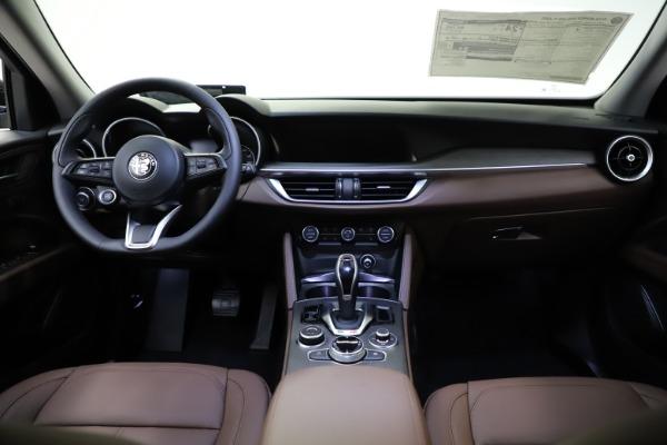 New 2021 Alfa Romeo Stelvio Ti for sale $53,650 at Bugatti of Greenwich in Greenwich CT 06830 17