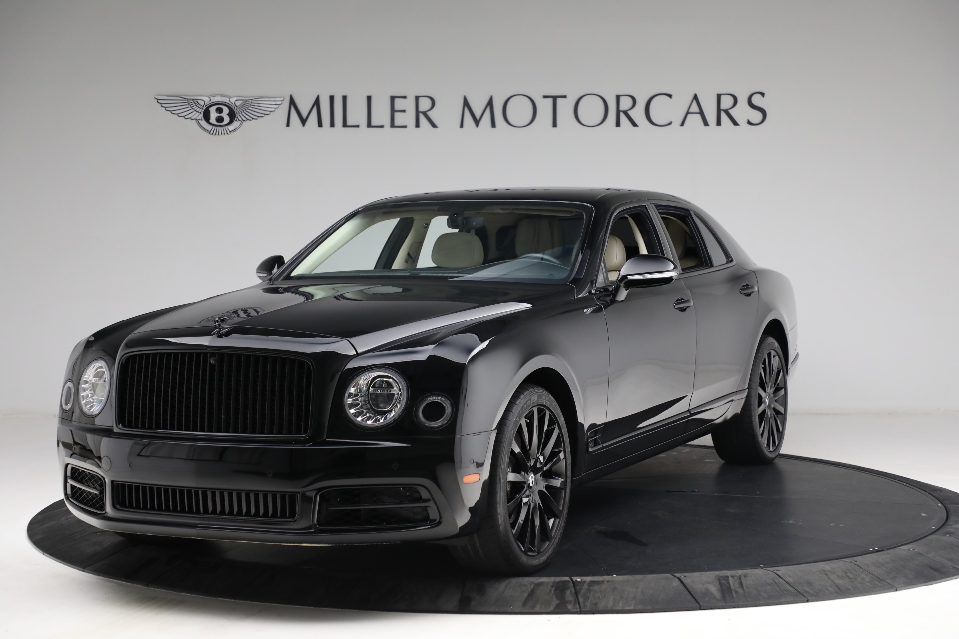 Used 2017 Bentley Mulsanne for sale $214,900 at Bugatti of Greenwich in Greenwich CT 06830 1