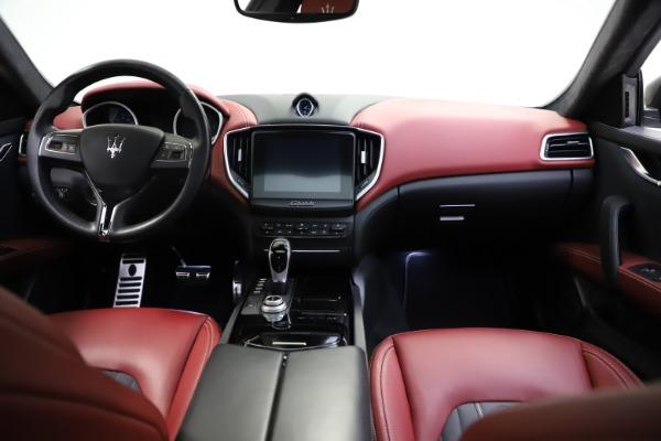 Used 2018 Maserati Ghibli SQ4 GranLusso for sale $55,900 at Bugatti of Greenwich in Greenwich CT 06830 11