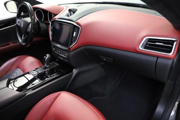 Used 2018 Maserati Ghibli SQ4 GranLusso for sale $55,900 at Bugatti of Greenwich in Greenwich CT 06830 16