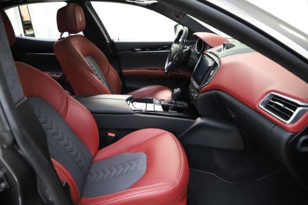 Used 2018 Maserati Ghibli SQ4 GranLusso for sale $55,900 at Bugatti of Greenwich in Greenwich CT 06830 17
