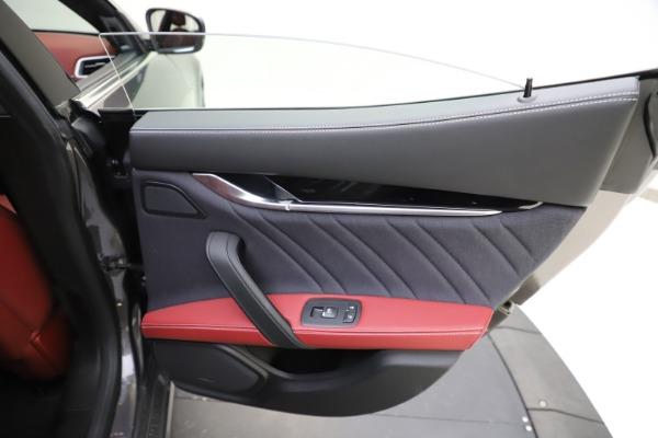 Used 2018 Maserati Ghibli SQ4 GranLusso for sale $55,900 at Bugatti of Greenwich in Greenwich CT 06830 21