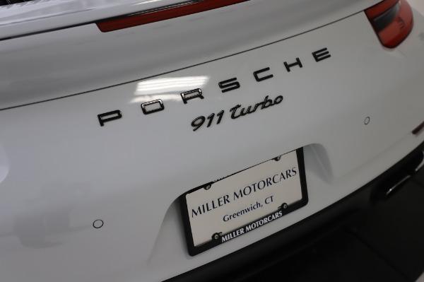 Used 2018 Porsche 911 Turbo for sale $159,990 at Bugatti of Greenwich in Greenwich CT 06830 27