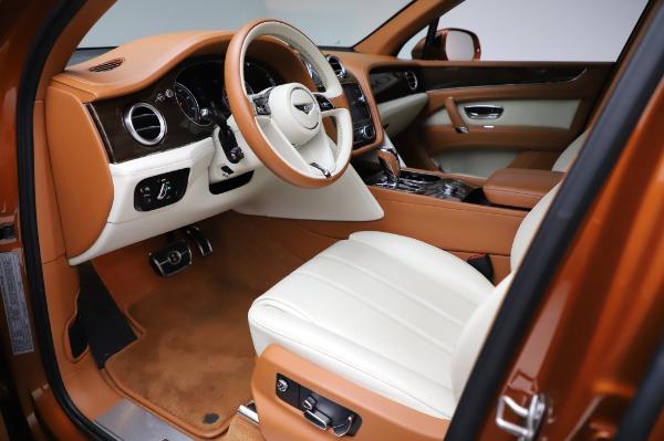 Used 2018 Bentley Bentayga Onyx Edition for sale $149,900 at Bugatti of Greenwich in Greenwich CT 06830 17
