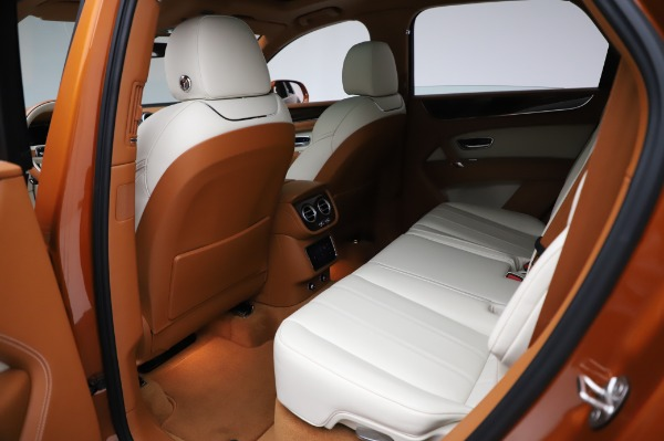 Used 2018 Bentley Bentayga Onyx Edition for sale $149,900 at Bugatti of Greenwich in Greenwich CT 06830 21