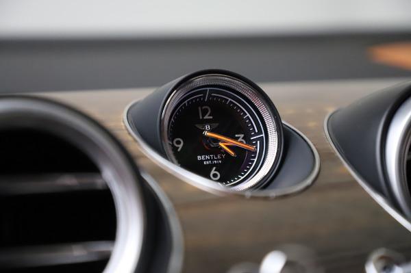 Used 2018 Bentley Bentayga Onyx Edition for sale $149,900 at Bugatti of Greenwich in Greenwich CT 06830 24
