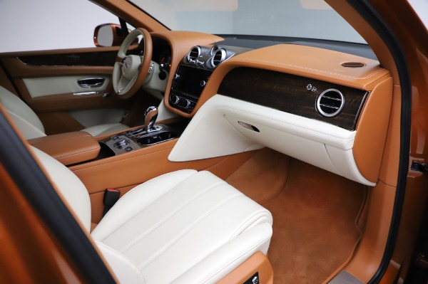 Used 2018 Bentley Bentayga Onyx Edition for sale $149,900 at Bugatti of Greenwich in Greenwich CT 06830 25