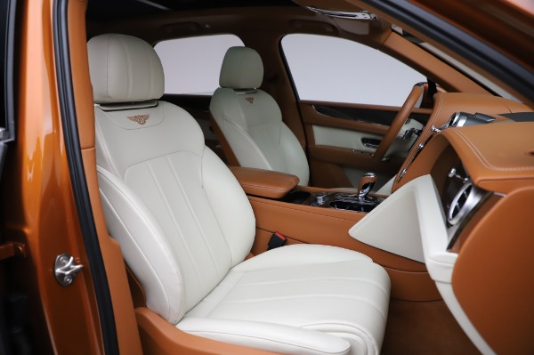 Used 2018 Bentley Bentayga Onyx Edition for sale $149,900 at Bugatti of Greenwich in Greenwich CT 06830 27