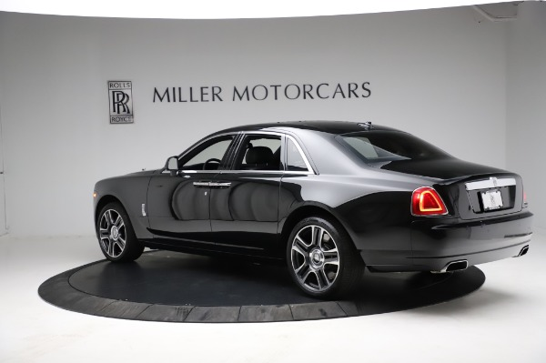 Used 2017 Rolls-Royce Ghost for sale $209,900 at Bugatti of Greenwich in Greenwich CT 06830 7