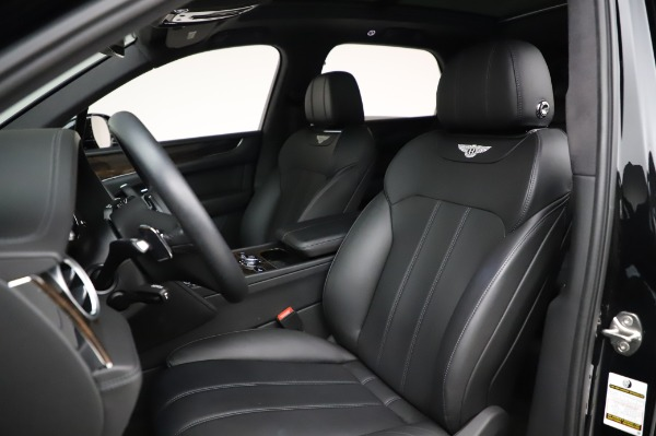 Used 2018 Bentley Bentayga Onyx Edition for sale Call for price at Bugatti of Greenwich in Greenwich CT 06830 19