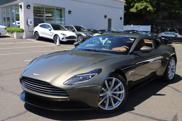 Used 2018 Aston Martin DB11 V8 for sale $151,900 at Bugatti of Greenwich in Greenwich CT 06830 24