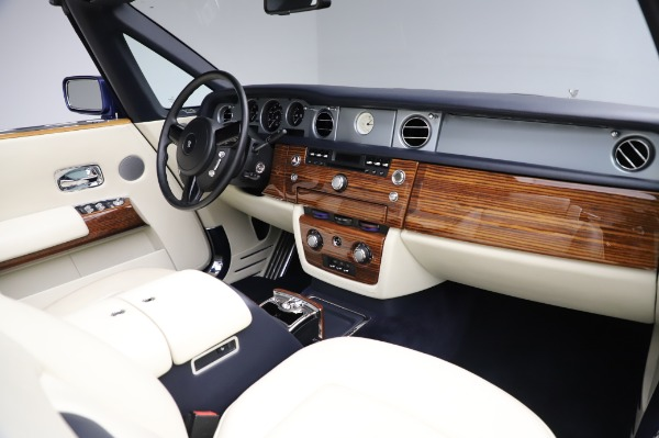 Used 2009 Rolls-Royce Phantom Drophead Coupe for sale $219,900 at Bugatti of Greenwich in Greenwich CT 06830 24