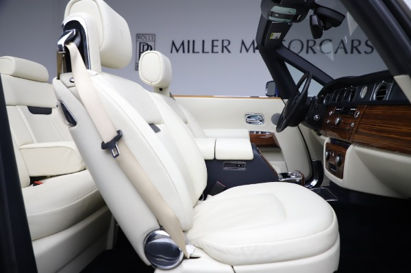 Used 2009 Rolls-Royce Phantom Drophead Coupe for sale $219,900 at Bugatti of Greenwich in Greenwich CT 06830 25