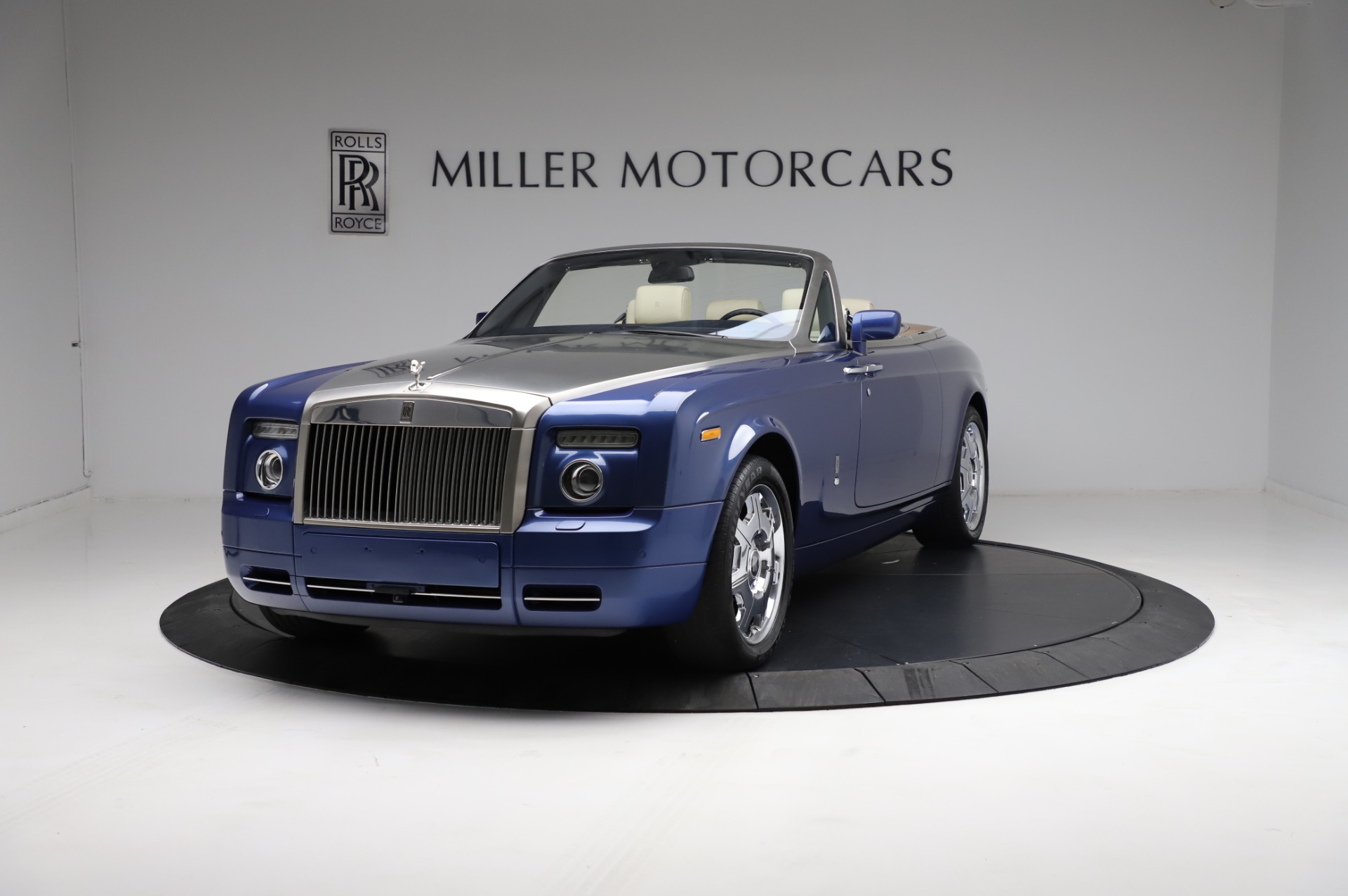 Used 2009 Rolls-Royce Phantom Drophead Coupe for sale $219,900 at Bugatti of Greenwich in Greenwich CT 06830 1