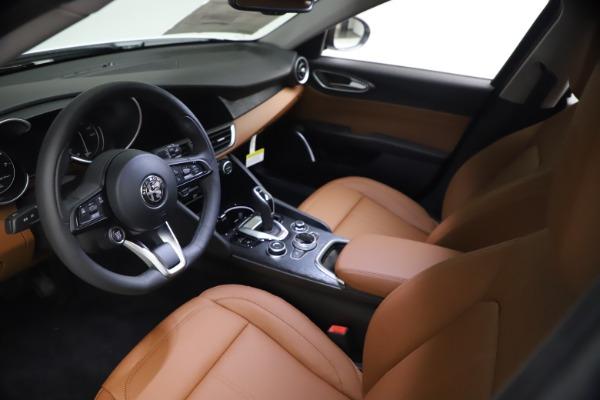 New 2021 Alfa Romeo Giulia Q4 for sale $48,535 at Bugatti of Greenwich in Greenwich CT 06830 14
