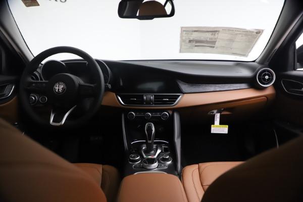 New 2021 Alfa Romeo Giulia Q4 for sale $48,535 at Bugatti of Greenwich in Greenwich CT 06830 17