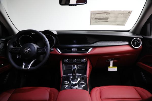 New 2021 Alfa Romeo Stelvio Q4 for sale $50,445 at Bugatti of Greenwich in Greenwich CT 06830 15