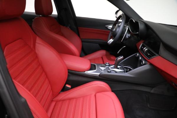 New 2021 Alfa Romeo Giulia Ti Sport Q4 for sale $54,050 at Bugatti of Greenwich in Greenwich CT 06830 21