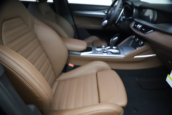 New 2021 Alfa Romeo Stelvio Ti Sport Q4 for sale $55,700 at Bugatti of Greenwich in Greenwich CT 06830 21