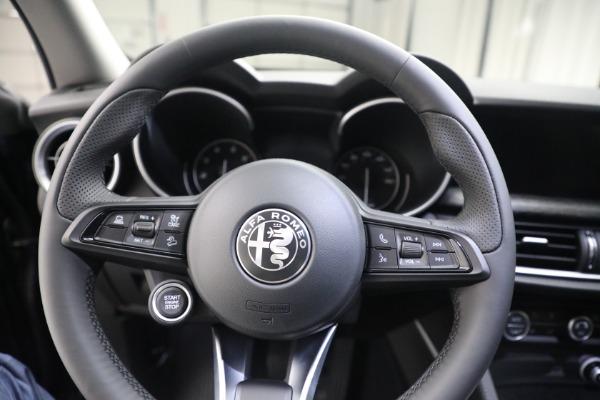 New 2021 Alfa Romeo Stelvio Q4 for sale $50,445 at Bugatti of Greenwich in Greenwich CT 06830 17