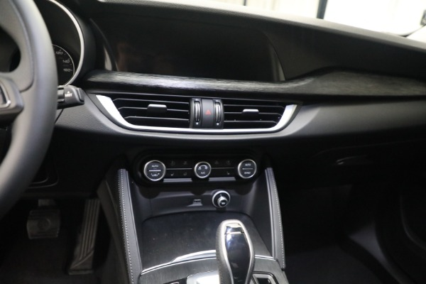 New 2021 Alfa Romeo Stelvio Q4 for sale $50,445 at Bugatti of Greenwich in Greenwich CT 06830 18