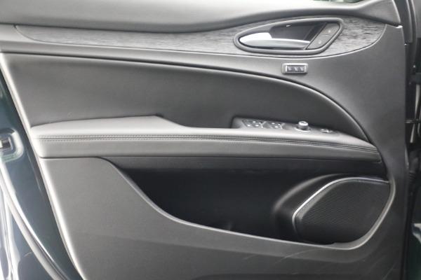 New 2021 Alfa Romeo Stelvio Q4 for sale $50,445 at Bugatti of Greenwich in Greenwich CT 06830 20