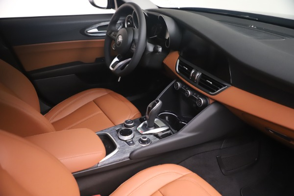 New 2021 Alfa Romeo Giulia Q4 for sale Sold at Bugatti of Greenwich in Greenwich CT 06830 18