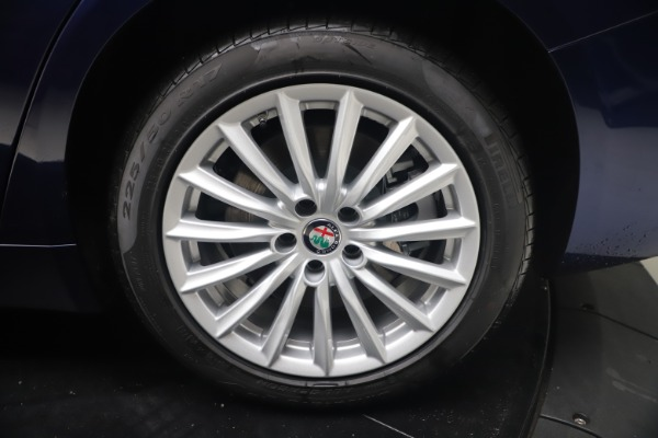 New 2021 Alfa Romeo Giulia Q4 for sale Sold at Bugatti of Greenwich in Greenwich CT 06830 22