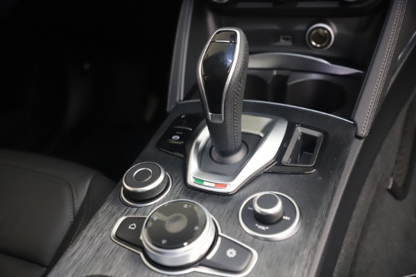 New 2021 Alfa Romeo Stelvio Q4 for sale $49,945 at Bugatti of Greenwich in Greenwich CT 06830 18