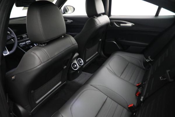 New 2021 Alfa Romeo Giulia Ti Sport Q4 for sale $53,050 at Bugatti of Greenwich in Greenwich CT 06830 15