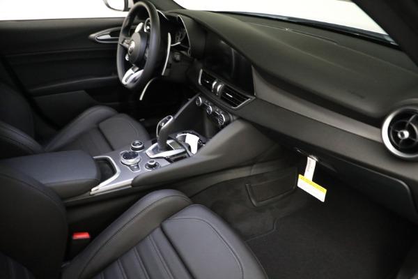 New 2021 Alfa Romeo Giulia Ti Sport Q4 for sale $53,050 at Bugatti of Greenwich in Greenwich CT 06830 17
