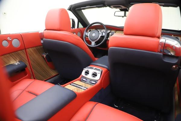 Used 2016 Rolls-Royce Dawn for sale $269,900 at Bugatti of Greenwich in Greenwich CT 06830 25