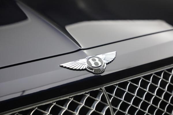 Used 2018 Bentley Bentayga W12 Signature for sale $149,900 at Bugatti of Greenwich in Greenwich CT 06830 14