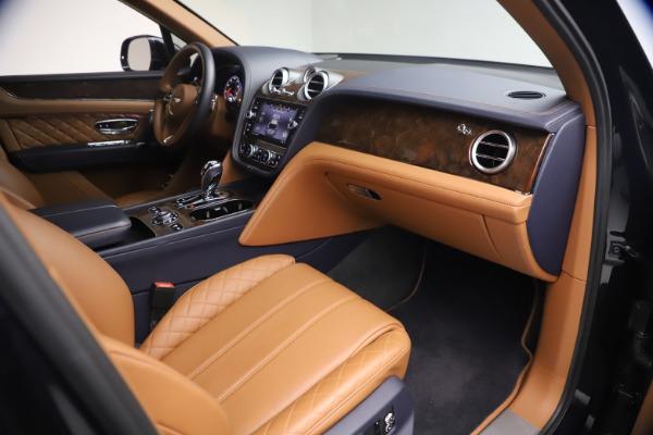 Used 2018 Bentley Bentayga W12 Signature for sale $149,900 at Bugatti of Greenwich in Greenwich CT 06830 25