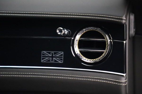 New 2020 Bentley Flying Spur First Edition for sale $276,070 at Bugatti of Greenwich in Greenwich CT 06830 24