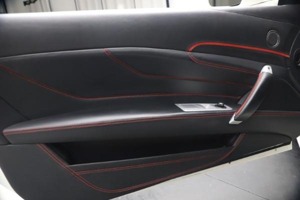 Used 2015 Ferrari FF for sale $159,900 at Bugatti of Greenwich in Greenwich CT 06830 17