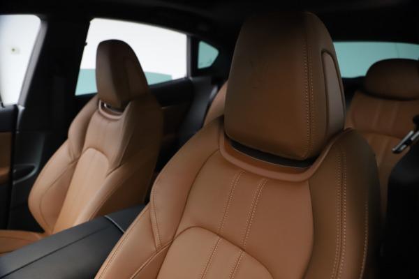 New 2021 Maserati Levante GranSport for sale $73,900 at Bugatti of Greenwich in Greenwich CT 06830 15