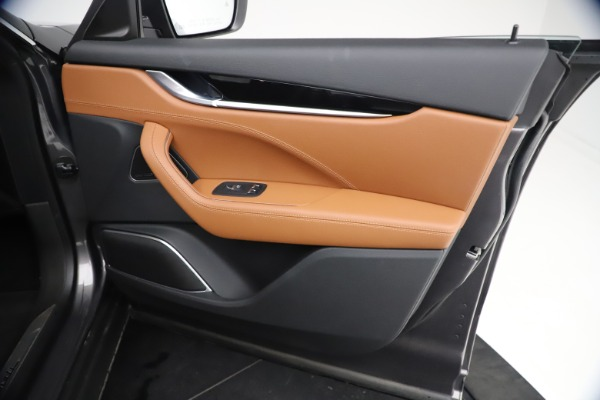 New 2021 Maserati Levante GranSport for sale $73,900 at Bugatti of Greenwich in Greenwich CT 06830 23