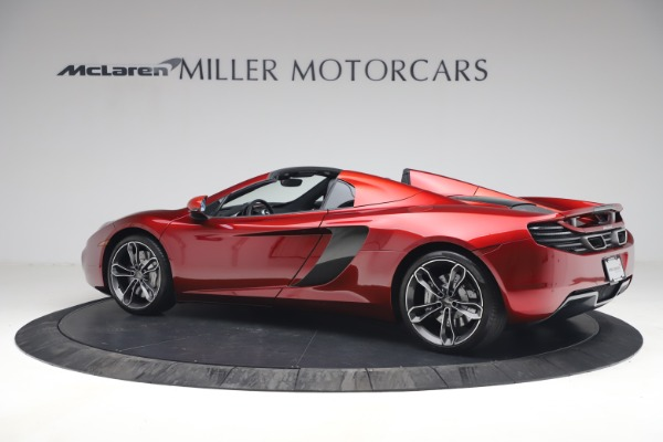 Used 2013 McLaren MP4-12C Spider for sale $134,900 at Bugatti of Greenwich in Greenwich CT 06830 4