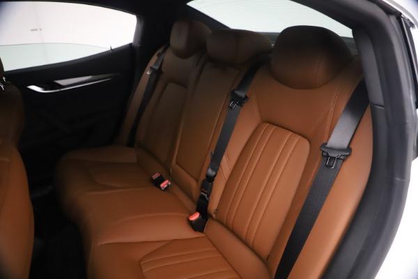 New 2021 Maserati Ghibli SQ4 for sale $85,804 at Bugatti of Greenwich in Greenwich CT 06830 21