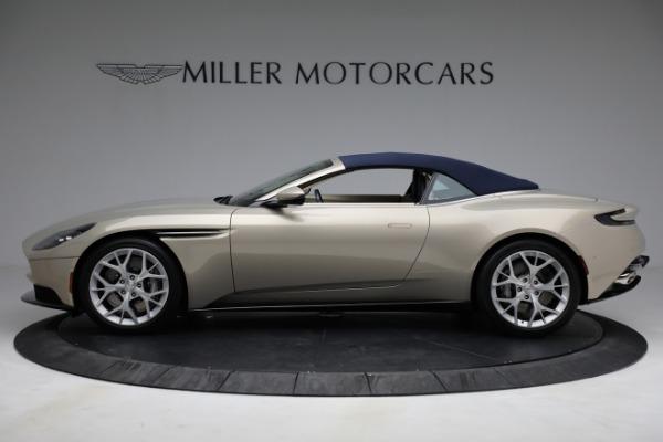 Used 2019 Aston Martin DB11 Volante for sale $209,900 at Bugatti of Greenwich in Greenwich CT 06830 26