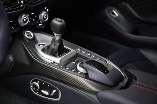 New 2021 Aston Martin Vantage for sale $189,686 at Bugatti of Greenwich in Greenwich CT 06830 16